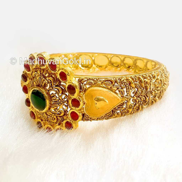 916 Gold Antique Bracelet with Ruby
