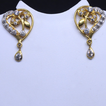 22KT / 916 Gold dailyware cZ earring for ladies BTG0207