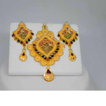 Gold minakari pendant set