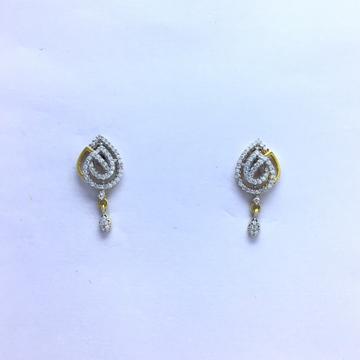 designing fancy gold earrings