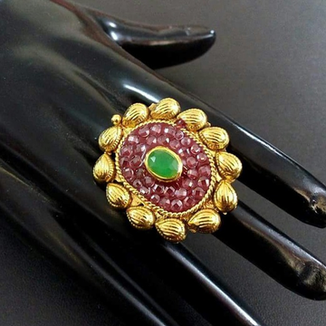22 Kt 916 Gold Antique Ring For Ladies by