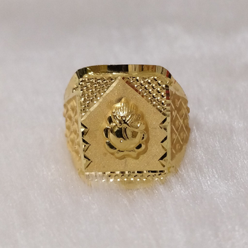 916 Gold Fancy Gent's Ganapati Ring
