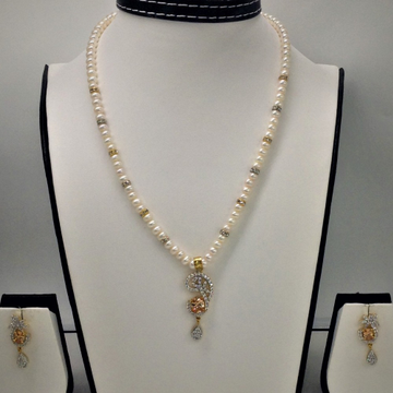 White and golden cz pendentset with flatpearls mala jps0107