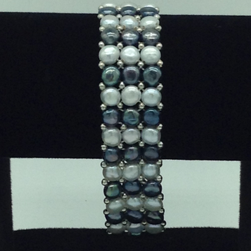 White And Black Button Pearls With White Jaco Balls 3 Layers Elastic Bracelet JBG0190