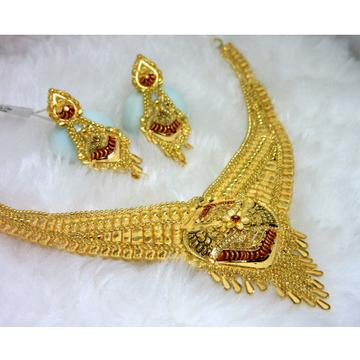 Culcutti broad gold necklace set