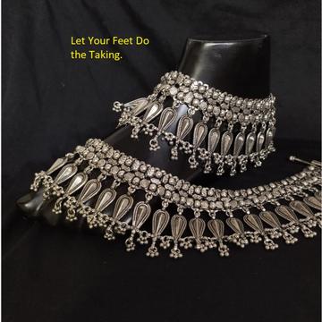 Pure silver antique rajwada payal with Long leaf m...
