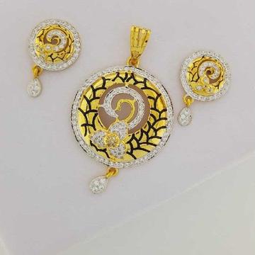 22KT Yellow Gold Pave Stylish Pendant set