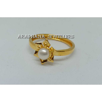 18KT Flower Design Pearl Ladies Ring
