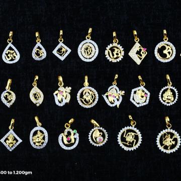 18 kt ladis design pendal by Saideep Jewels