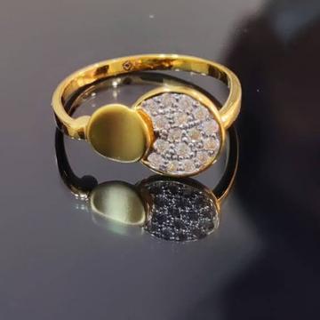 22K LADIES DIAMOND RING by