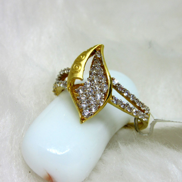 Gold twin line pave setting ring
