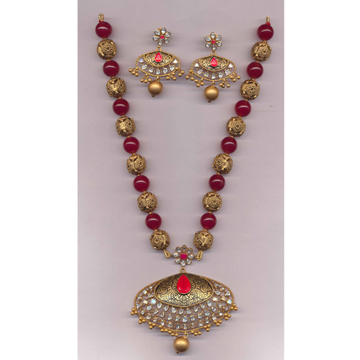 916 Gold Antique Long Necklace Set With Pink Beads