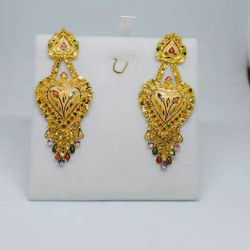 Earing With Natural Colour