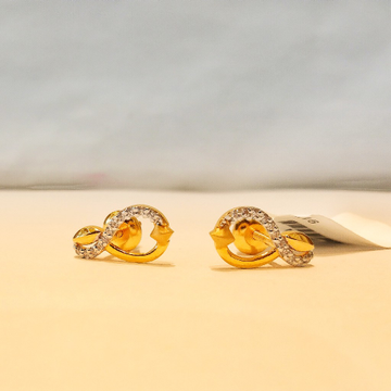 Gold 916 Hallmark Classic Diamond Earrings by Pratima Jewellers