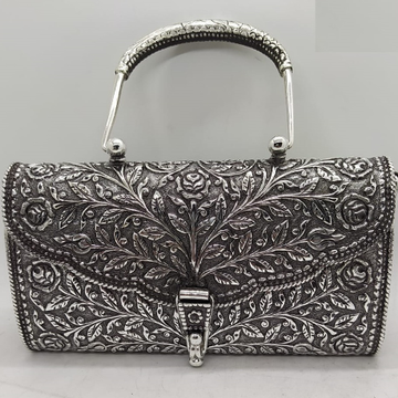 Maanniya hallmarked silver shoulder bag in easy to...
