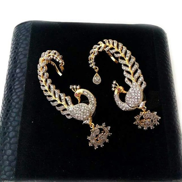 22 Kt 916 Gold  Cz Earrings For Ladies by