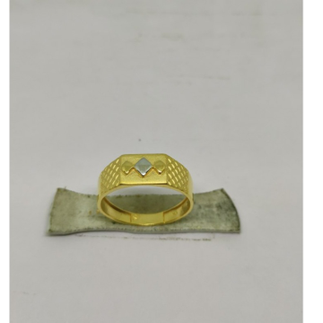 22KT Gold Ring SOG-R040 by S. O. Gold Private Limited