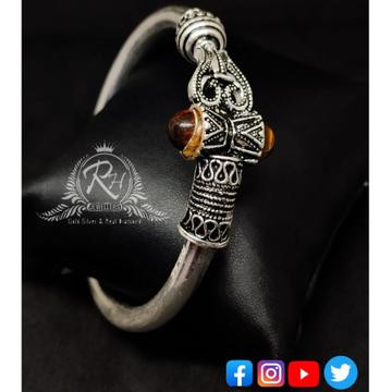silver shiv trishul damroo designer gents kada RH-GK346