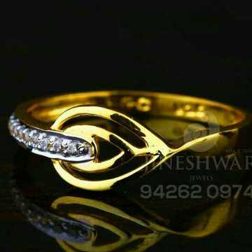 Gold Cz Attractive Ladies Ring LRG -0012
