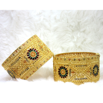 Gold Broad Design Cullcutti bangles