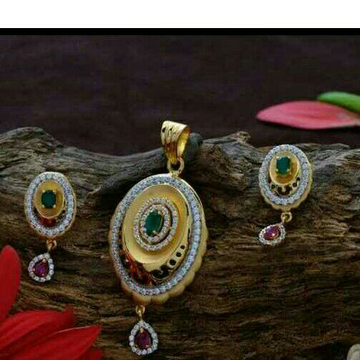 Attractive Panna Stone  pendant set 22kt