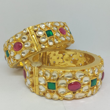 pachhi kundan kangan (kada) with pink ruby stone and emerald stone 1062