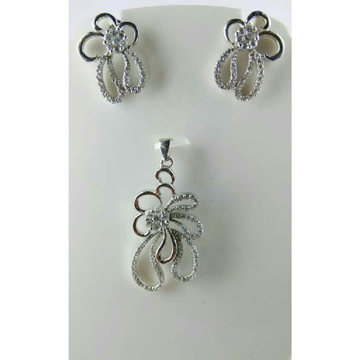 925 Silver Attractive Pendent Set