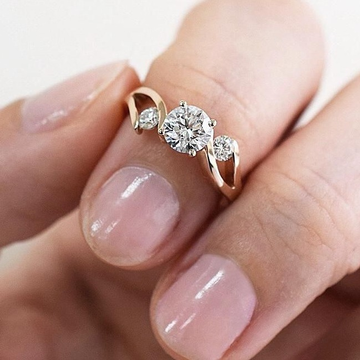 rose gold diamond ring by