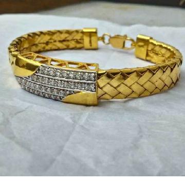 22KT Gold Antique Bharvadi Gents Bracelet