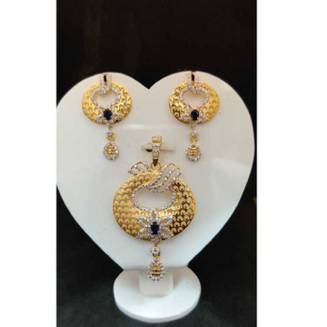 22k ladies fancy gold pendant set p-41805