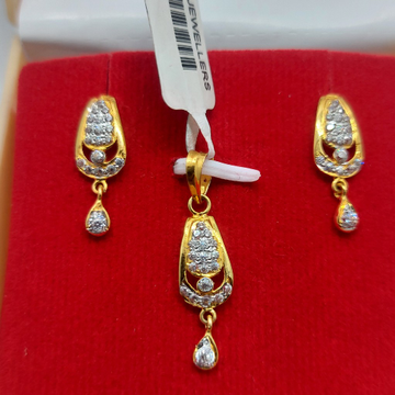 22kt CZ light weight pendant set by Parshwa Jewellers