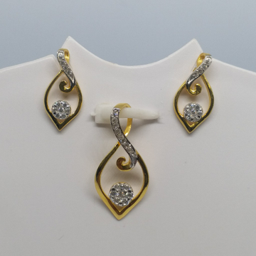 18 kt 750 gold pendant set by Zaverat