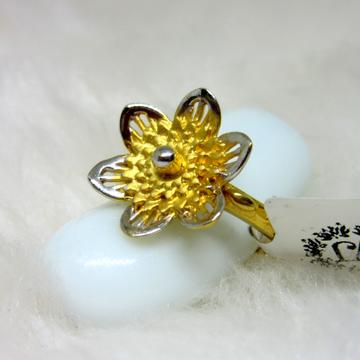Gold daffodil flower ring