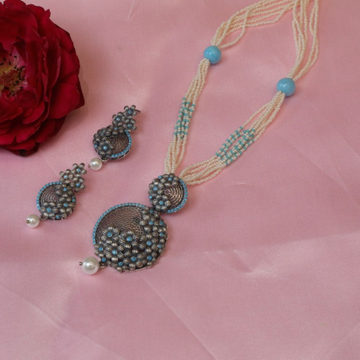 92.5 Sterling Silver Light oxidised Small Flowers Design pendent set With White & Blue Pearl Mala