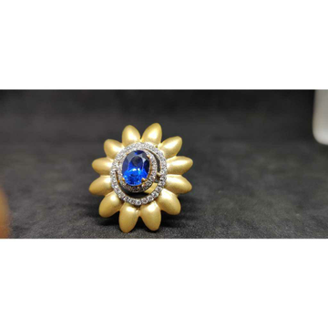 18Kt Exclusive Fancy Italian Ladies Gold Ring lr -24023