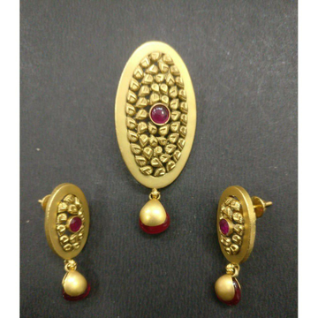 916 antique pendant set
