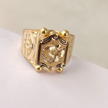 916 Gold Gents Ring by