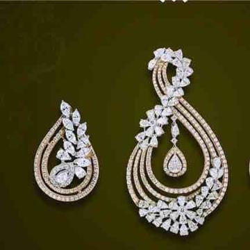 18KT Real Diamond Designer Pendant set by