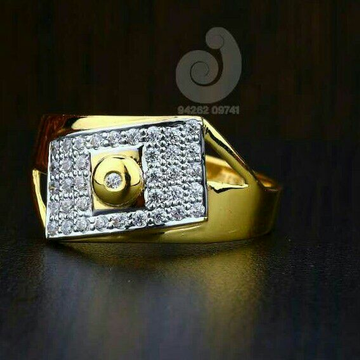 22ct Attractive Cz Gold Ring