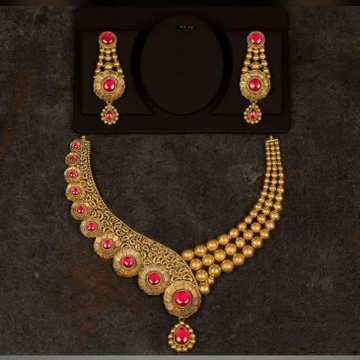 916 Antique/Jadau fancy necklace set