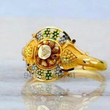 Fancy Plain Gold Ladies Ring LRG -0827