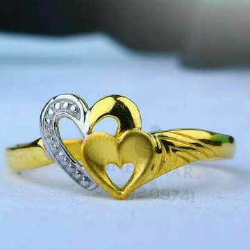 916 Attractive Heart Shape Gold Ladies Ring LRG -0671
