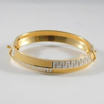 22KT Yellow Gold Nirvay Bracelet For Men
