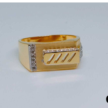 916 Gents Fancy Gold Ring Gr-28641