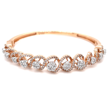 Atemberaubend Diamond Bracelet in a Swirling Design