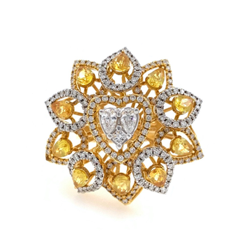 18kt / 750 yellow gold cocktail diamond ring for l...