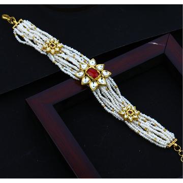 916 gold Stylish design White Mani Moti Bracelet