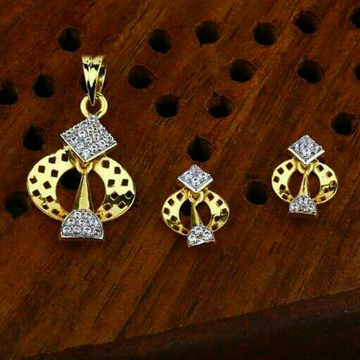 Casual Were Pendant Set 22kt