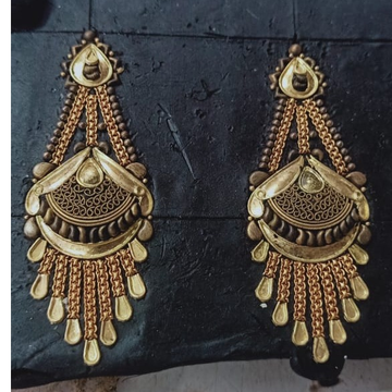 916 Hallmark Gold Attractive Bridal Earring  by Samanta Alok Nepal
