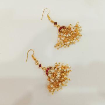 Chand shape mini zumkhi with hanging
